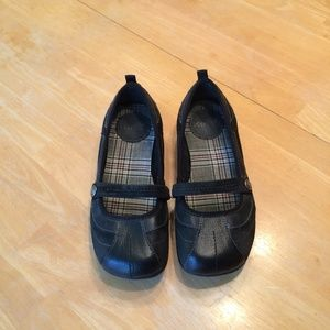 3/$25 Mudd Black Kara Mary Jane Shoes Size 6M